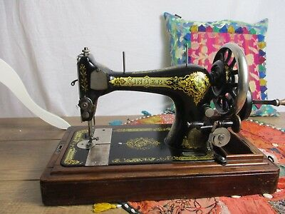 Antique Singer Sewing Machine 1908 With Case and Key Collectible Antique