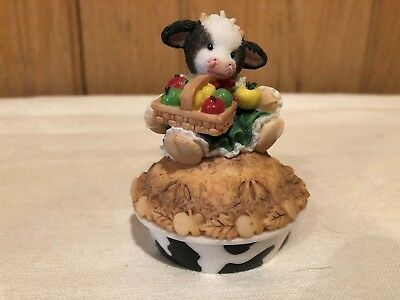 """Mary's Moo Moos """"You're the Spice of my Life"""" 2 piece Cow Pie Figurine"""