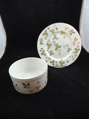 """Wedgwood China Wild Strawberry 6-3/4"""" Souffle Oven to Table plus 1 Dinner plate"""