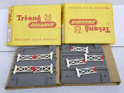 Triang Tt Boxed  Type B Level Crossings X2