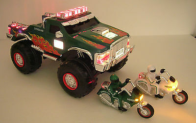 2007 Hess Monster Truck 2 motorcycles-lights/sounds-NIB-gift-100% eBay rating