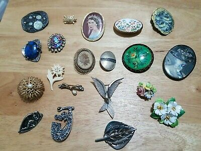 20 Vintage Antique Collection / Job Lot Of Mixed Brooches / Brooch / Pin / Pins