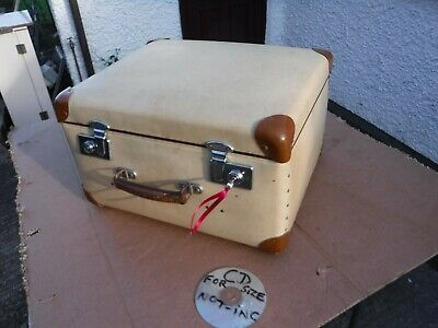 Vintage Globetrotter  Suitcase  With  Key. J.r Jones Colwyn Bay.  Free Delivery.
