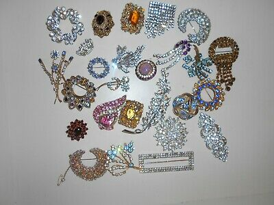 Mixed Job Lot Of 26  Vintage Rhinestone Brooches  Various Eras