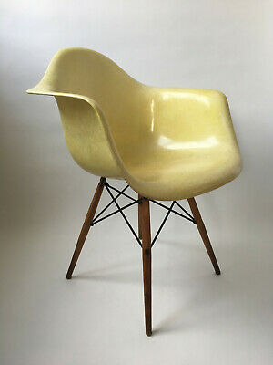 All original 1. Generation Zenith Rope Edge Eames Herman Miller Fiberglass Chair