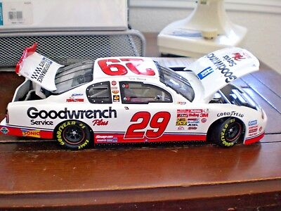 Kevin Harvick #29 *ROOKIE* GM Goodwrench 2001 Action 1:24 NASCAR