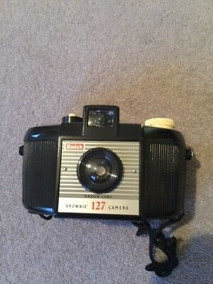 Kodak Brownie Black127 Camera. Uses 127 film with canvas case and strap