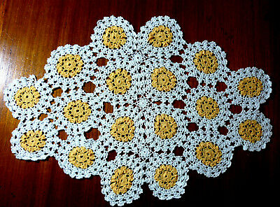 Beautifully Crocheted Oval Doily White & Apricot  Size 40 Cm X 27 Cm.  Vgc