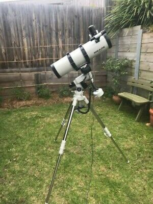 Meade LXD 75 - 6in Telescope with motorised Tripod with Accessories