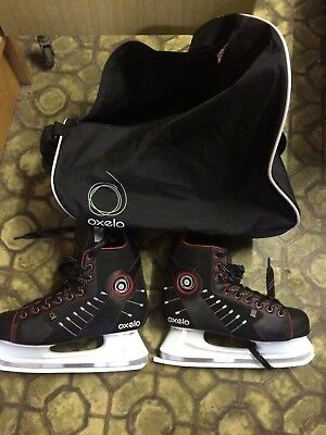 PATINS A GLACE OXELO NEUF, taille 43 avec le SAC DE TRANSPORT OXELO