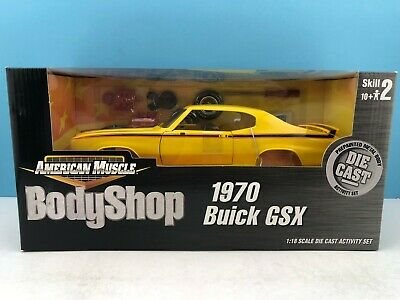ERTL AMERICAN MUSCLE Class Of 1969 Ford Mustang Mach 1