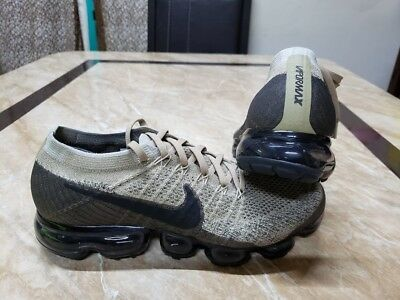 New Nike Air Vapormax Flyknit Mens Sz 8.5 849558- 201 New  And 1000% Authentic
