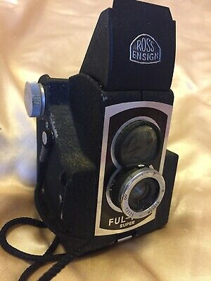 Vintage Ross Ensign Ful-Vue twin lens camera in good condition - late 1950s