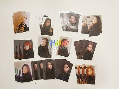 Loona (LOOΠΔ) Loonaverse Concert - Hand Autographed(Signed) Photocard (2.18)