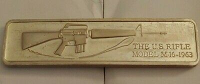 1976 Lincoln Mint M-16 Automatic Rifle 1-oz sterling silver art bar