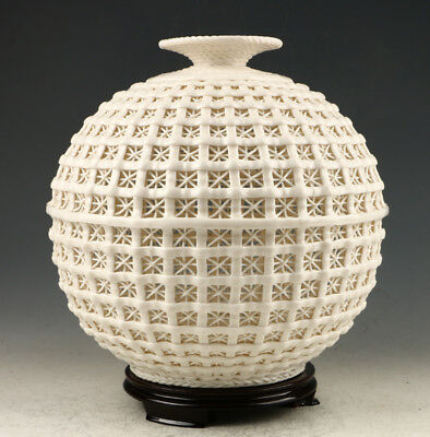 Exquisite Dehua Porcelain Hand Carved Hollow Out Vase AAA0258
