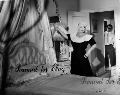 Rare Mae West photo 1959 behind the scenes Person to Person Paul Novak