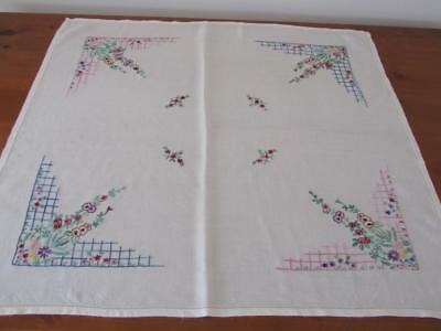 Lovely Vintage Floral Hand Embroidered Linen TABLECLOTH