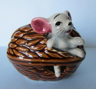 FAB RARE VINTAGE c1960s RETRO MOUSE IN A NUT NUTSHELL ORNAMENT