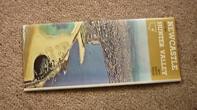 OLD 1970s TOURIST BROCHURE & PAMPHLET, NEWCASTLE NSW & HUNTER VALLEY
