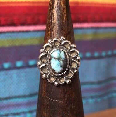 Vintage Native American Sterling Silver Beaded Turquoise Flower Ring Size 5.25