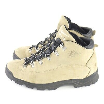 low priced 41976 181f1 Nike ACG Hiking Boots Mens 9.5 Tan Black Lace Up Leather Vintage