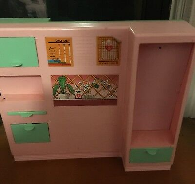 Sindy Hospital Room Set
