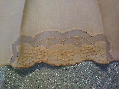 """Beautiful Madeira Embroidered and Applique Yellow Linen Hand Towel 14 1/2 x 9"""""""