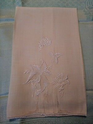 """Beautiful Madeira Embroidered Soft Yellow Linen Hand Towel 20 x 14"""""""