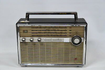 National Panasonic T-100D 4 Band 9-Transister Radio
