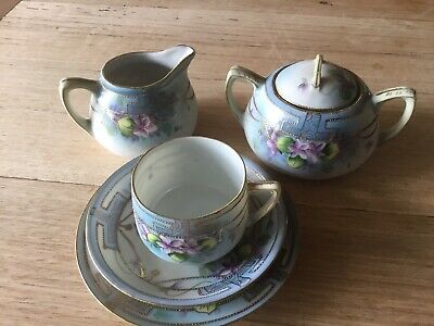fine bone china tea set (5 Pieces) With Unusual Fine Raised Gold Chain Pattern