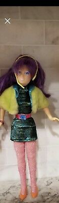 1986 Hasbro JEM TRULY OUTRAGEOUS Doll CLASH OF THE MISFITS