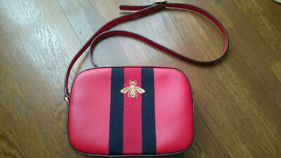 aa306dffae7a GUCCI BEE BROWN Web Camera Case Webby Red Stripe Camera Leather Bag ...