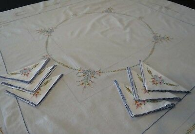 Vintage Hand Embroidered Tablecloth With Six Napkins - Square