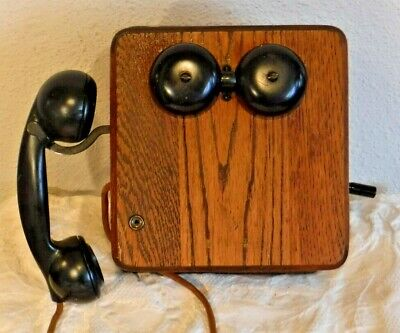Kellogg Switchboard & Supply Co Wooden Wall Telephone with Handset Receiver