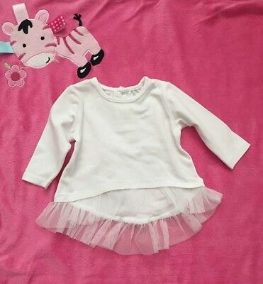 Baby baby white lace finish top size 000 fit 0-3 Month
