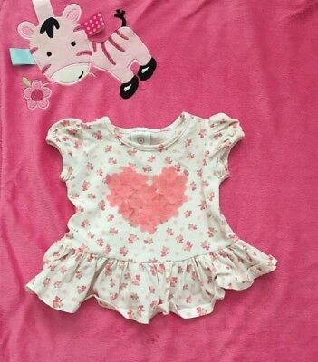 Baby girl Target top hart on floral print size 000 fit 0-3 Months