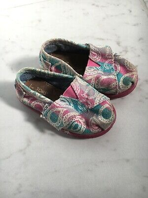 a8d017986ab TOMS TINY TODDLER Girls Blue Pink Shoes Velcro closure Size 5 ...