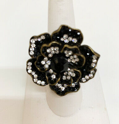 OVERSIZED BEAUTIFUL TEBET STYLE RING SPARKLY CRYSTALS AND LARGE GEM STATEMENT