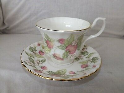 Royal Albert Bone China England Lyndale Strawberries Tea Cup and Saucer