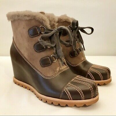 25e4ec509f7 NEW UGG AUSTRALIA Alasdair Waterproof Leather Suede Wedge Ankle Booties  Size 8