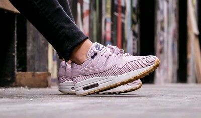 NIKE WOMEN'S AIR Max 1 SI Athletic Snickers Running Training