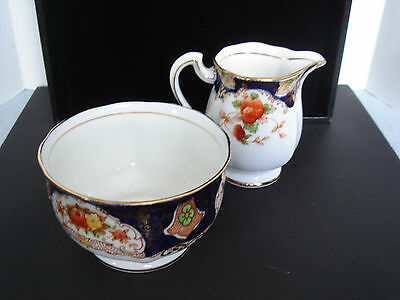 Royal Standard Fine Bone China Creamer & Sugar Bowl Matching Set Made in England