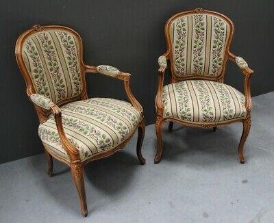 2x Antique carved French Louis fauteuil armchairs antique big comfy chair seats