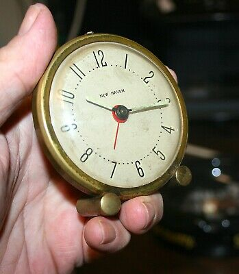 Vintage New Haven Alarm Clock Goldtone Finish w/box.             (1288)