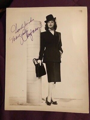 Cards & Papers Autographs-original Marguerite Chapman Actress Sci-fi Actress In Flight To Mars Signed Card