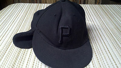 Pittsburgh Pirates New Era 59Fifty 7 1/4 fitted cap with fleece ear warmer
