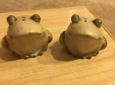 1960s UCTCI Japan Art Pottery: Salt and Pepper Shakers - FROGS TOADS