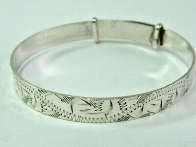 Lovely Solid Silver Childs/Baby Expandable Patterned Bangle