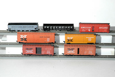 Various Freight Railcars/ 7 cars.  HO scale